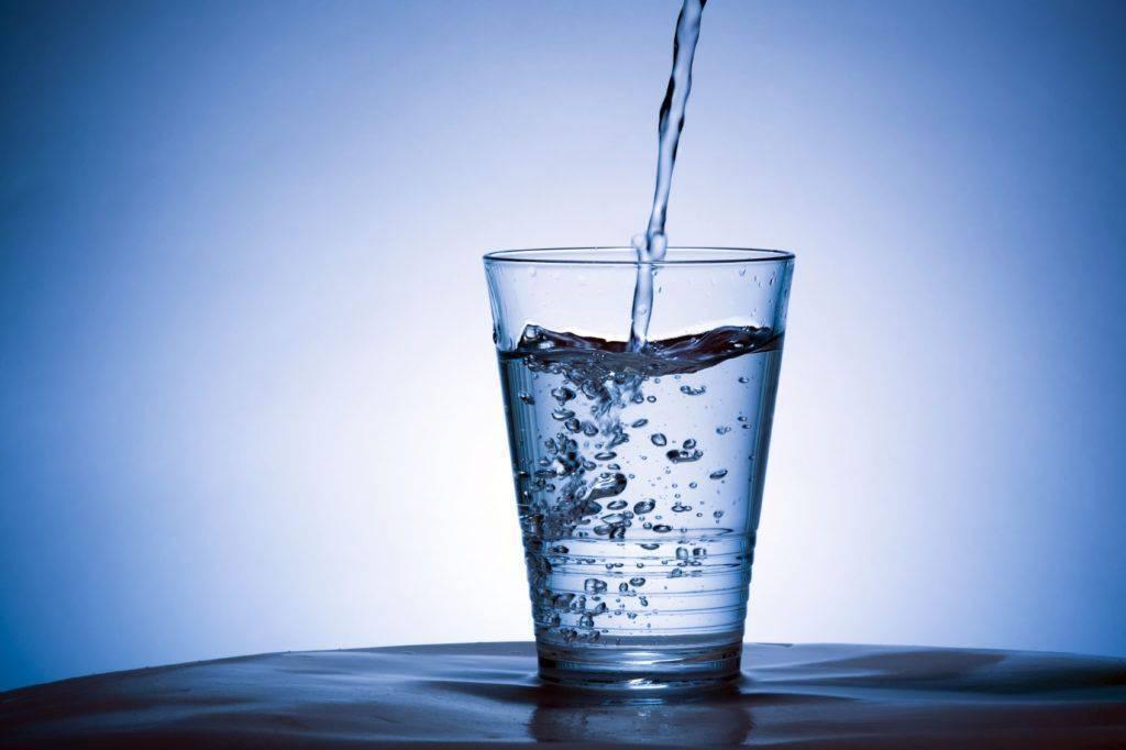 Los beneficios del agua pura para nuestro cuerpo